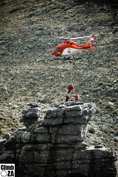 Joint AMS-WSAR mountain rescue training exercise on Devil's Peak, insertions and extractions via hoist. (AMS were called out to an emergency hospital transfer in the middle of the exercise, which meant we got to take a great walk back down the mountain!)