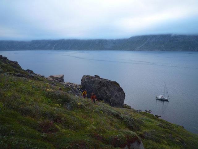 Bouldering along Greenlands coast