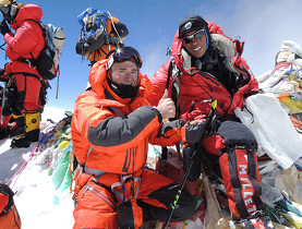 Ueli Steck and Sherpa Tenzing in the traffic on the top of Everest
