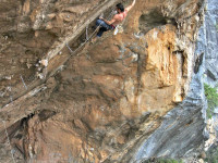Jimbo Smith on his new route 'Live wire' (32/33) at Oudtshoorn.