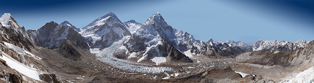 Everest in 3.8 Billion Pixels