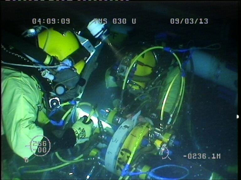 Deepsea diving work