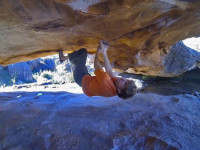 Clinton Martinengo sending The Arch, Rocklands