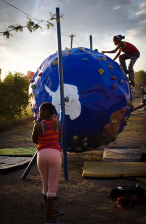 gaia rolling climbing wall ball