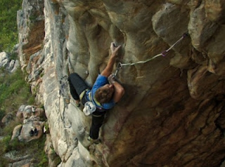 Joe grabs the 2nd ascent of 'Be Quick or Be Dead' (31)