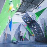 Hangtime Gym bouldering wall