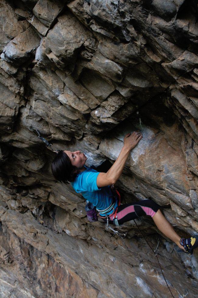 Gosia Lipinska climbing Switchbitch